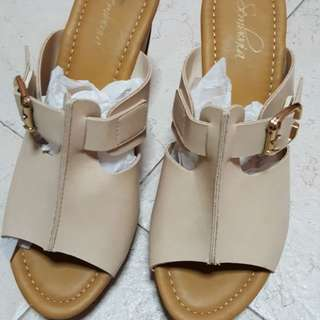 Sembonia High Heel