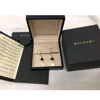 18k rose gold earrings set with onyx and mother of prarl