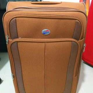 95%新 25吋American Tourister行李箱