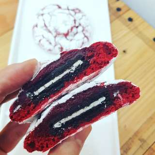 Oreo Stuffed Red Velvet Crinkles