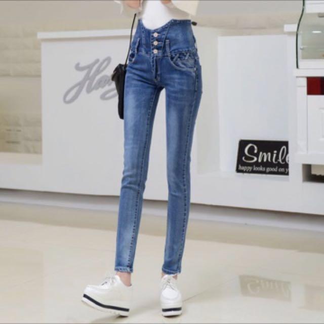 [韓版]🎀全新品//零碼出清價☝️優質感高腰牛仔酷👖高腰刷白顯瘦版/酷腳縮編✨🎉🎉