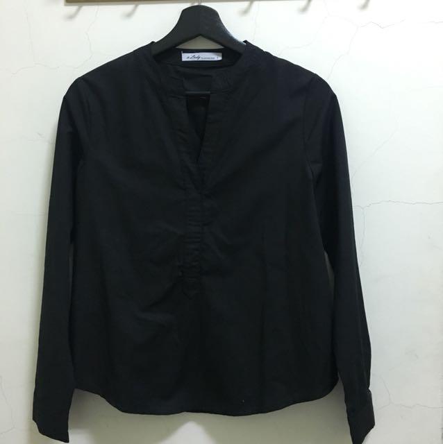 A'Lady 黑色領口設計感上衣