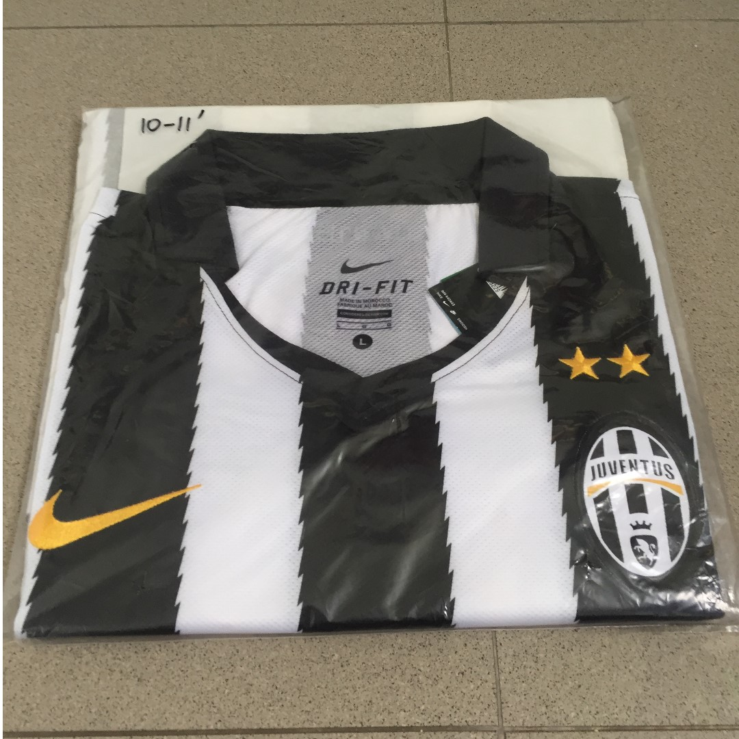 huge discount 4ff31 6d158 Authentic Classic Juventus FC 10/11 Home Jersey, Sports ...