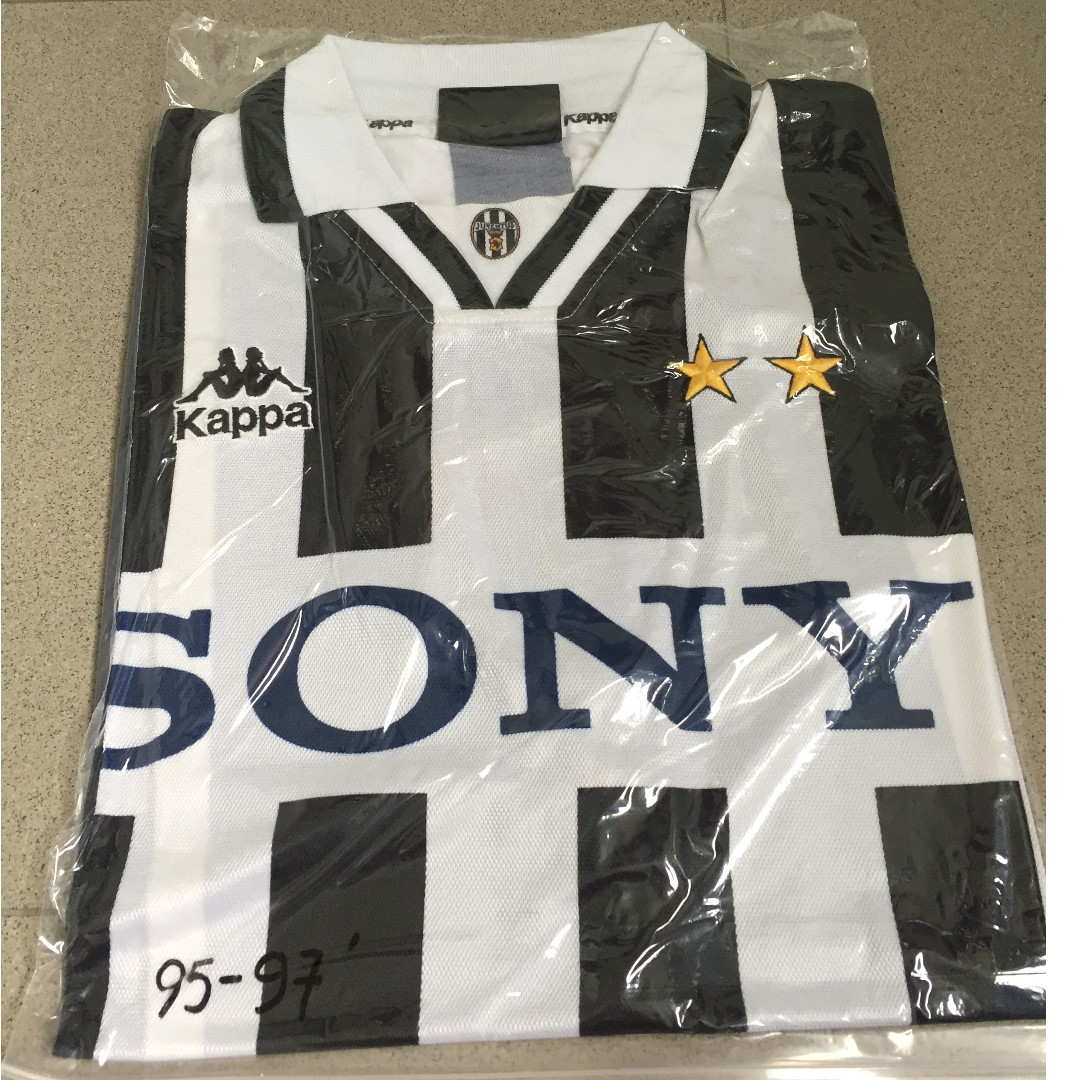 super cute 7c552 2120a Authentic Classic Juventus FC 95/97 Home Jersey, Sports ...