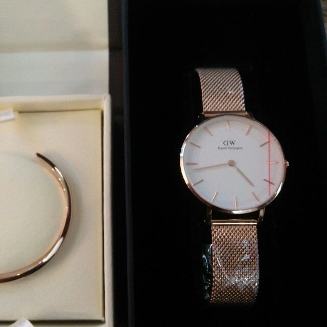 9122ce6bf075 Authentic Daniel Wellington Classic Petite Melrose 32mm on Carousell