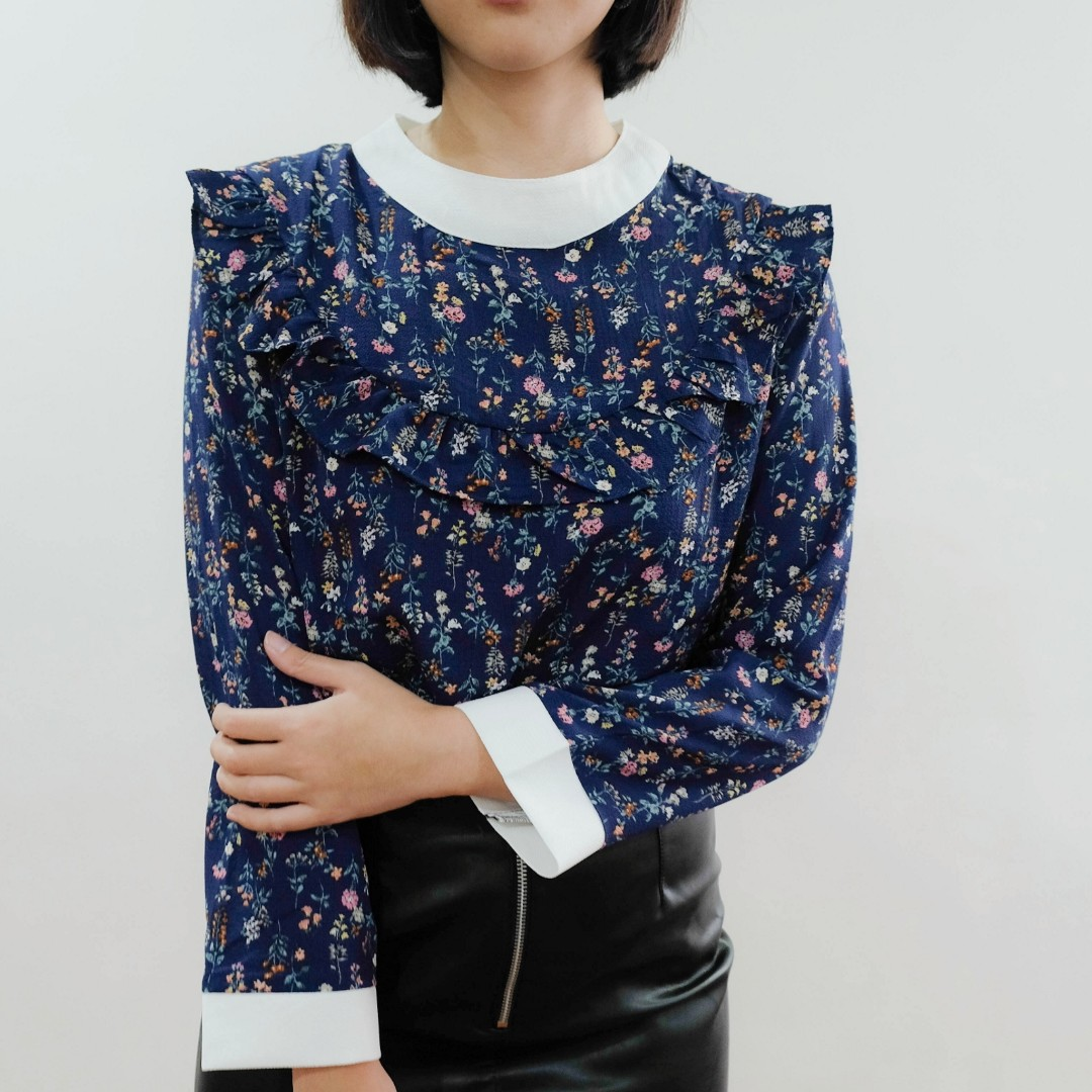 B16 BLUE FLORAL LONG SLEEVES WITH WHITE CC