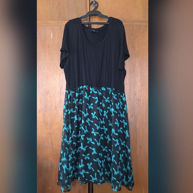 Black and Blue Green Ribbon Patterned Dress
