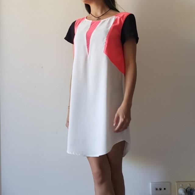 BLOSSOM Colour block shift dress