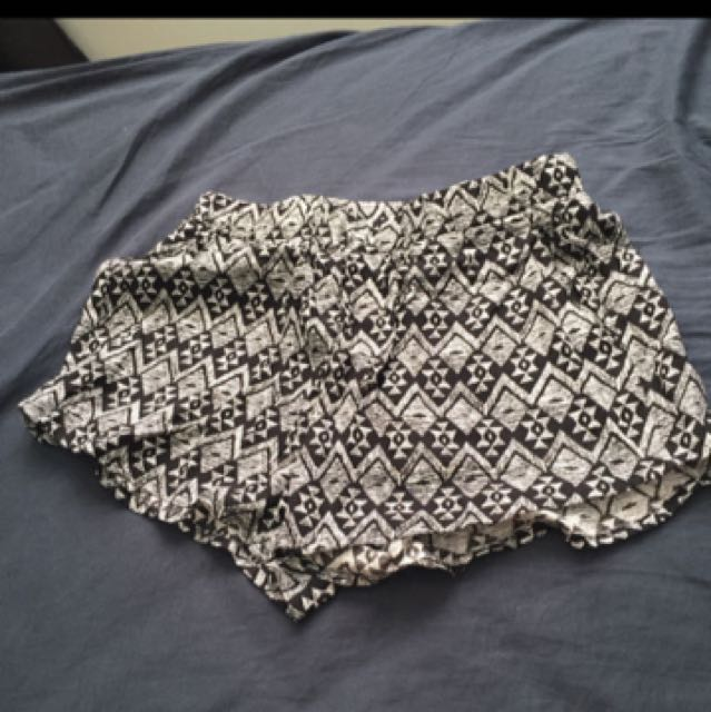 BNWT H&M shorts