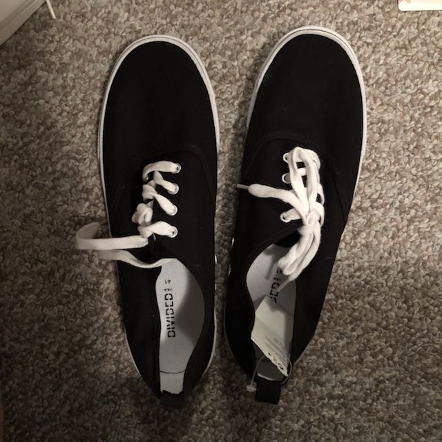 Brand new H&M black sneaker