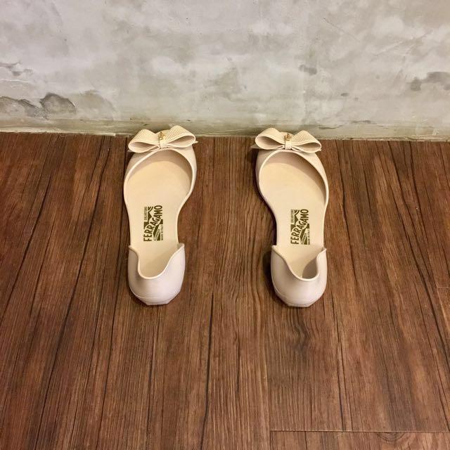 Bundle - Ferragamo Jelly Shoes 37