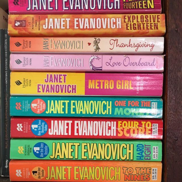 Bundle of 11 Janet Evanovich books