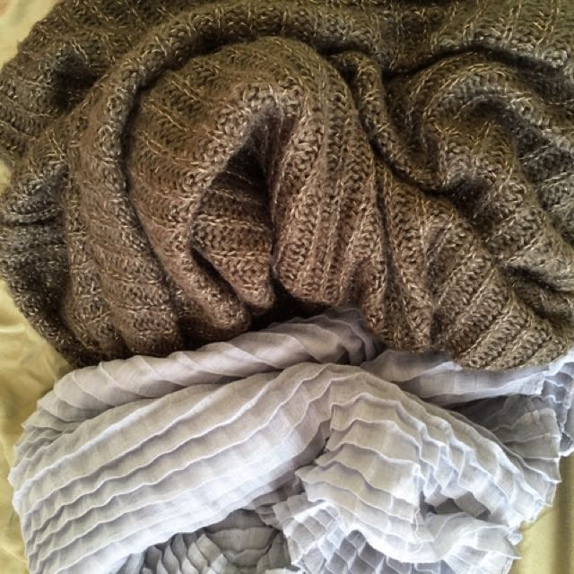 Bundle scarf / scarves