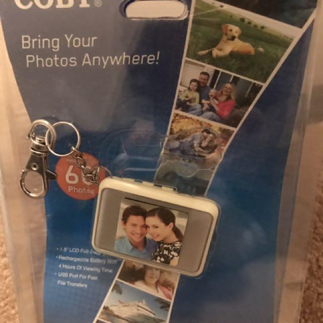 Coby digital photo keychain