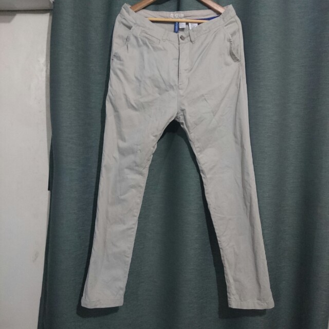 H&M Slim Khaki 32 *Repriced*