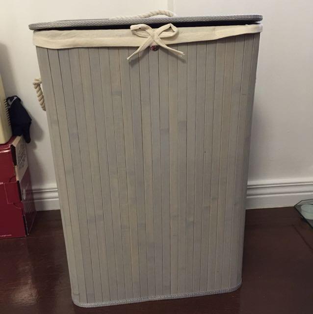 Laundry hamper basket