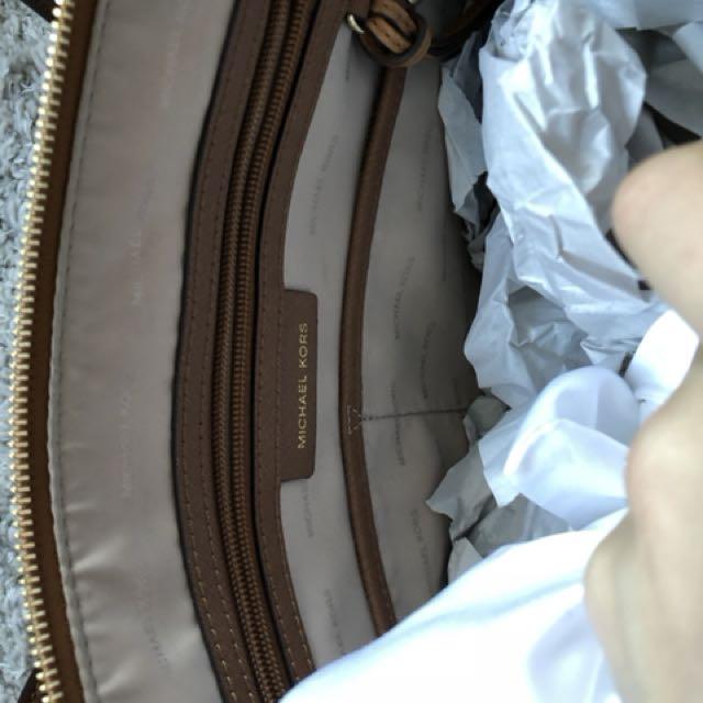 MK Michael Kors Shoulder Tote Tan