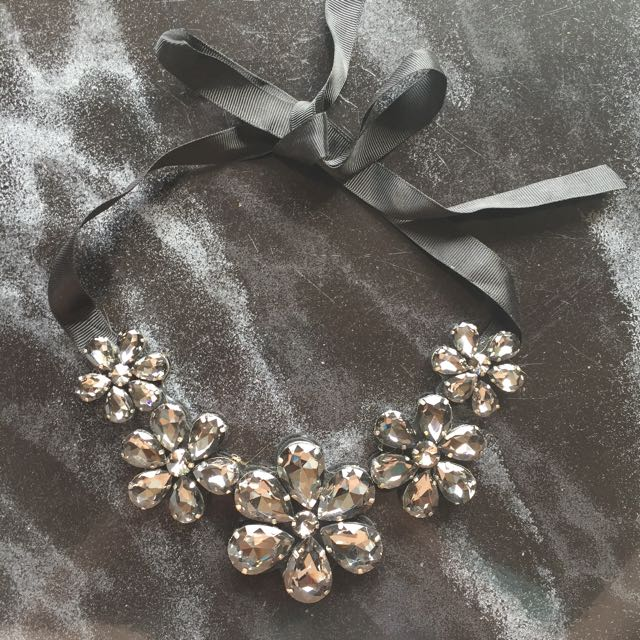Necklace batu bunga