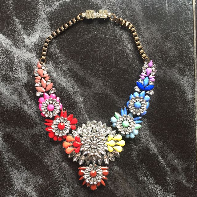 Necklace colorful flower