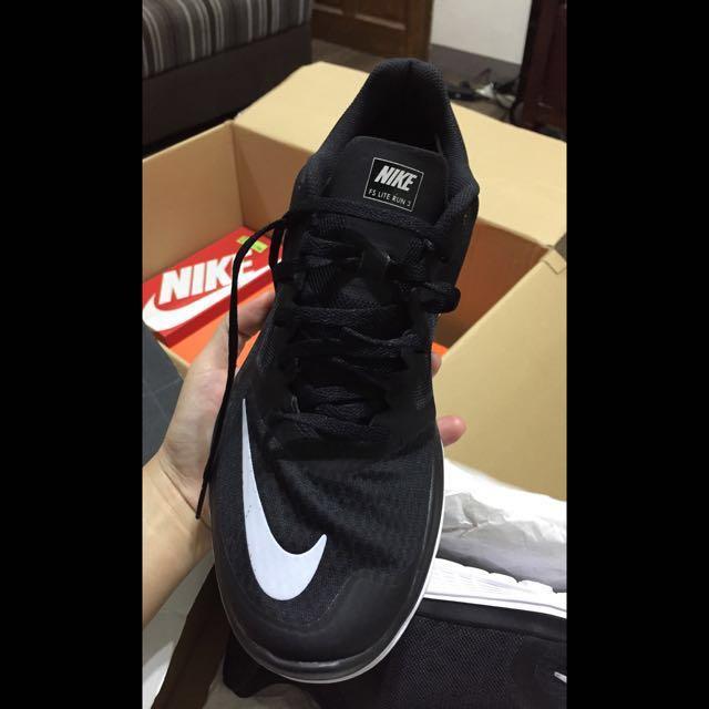 Nike FS Lite Run 3 (Brand New)