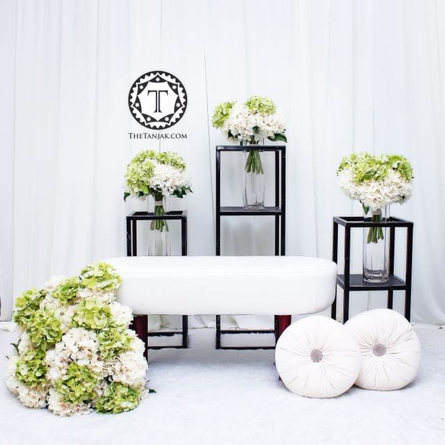 Pelamin Tunang Home Furniture Others On Carousell