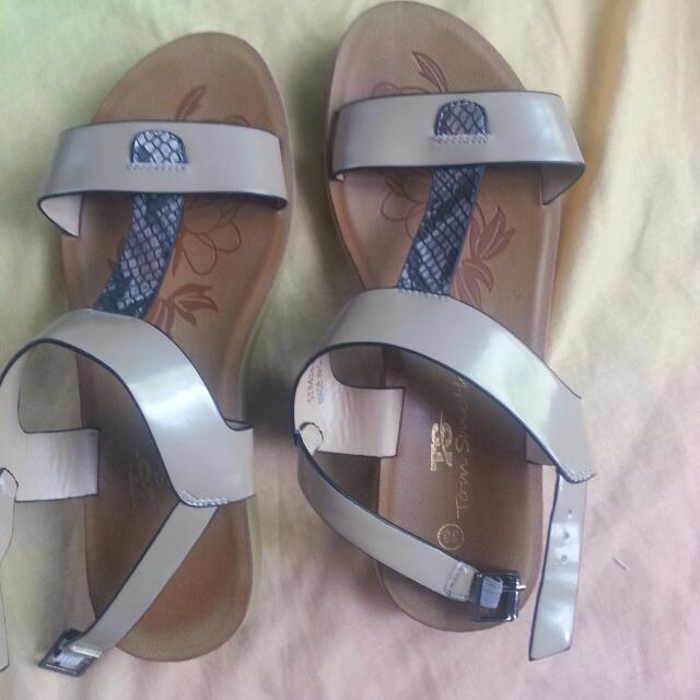 Preloved Sandals Rarely Used