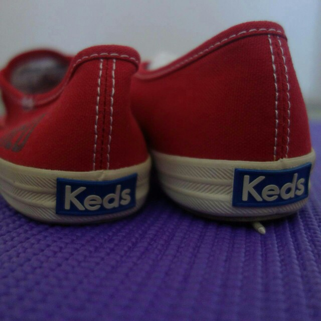 RED Sneakers- Keds