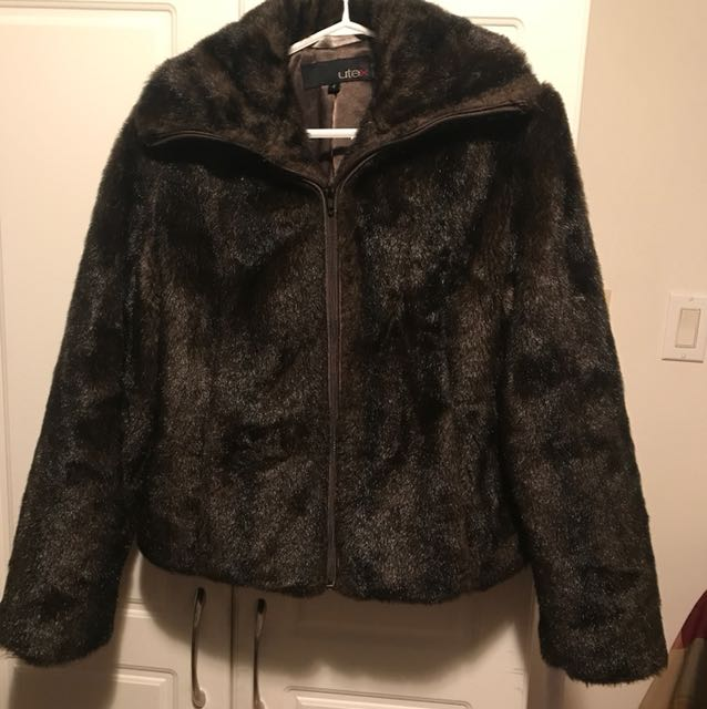 (Small) faux fur coat