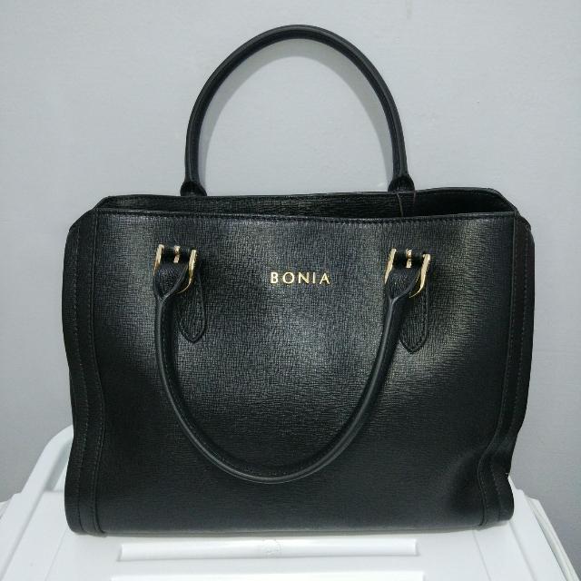 Tas Bonia leather handbag 100 % Authentic