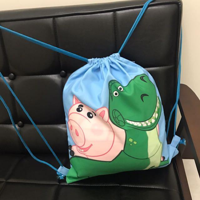 Toystory 火腿 抱抱龍 帆布袋抽繩後背包 包包 帆布包