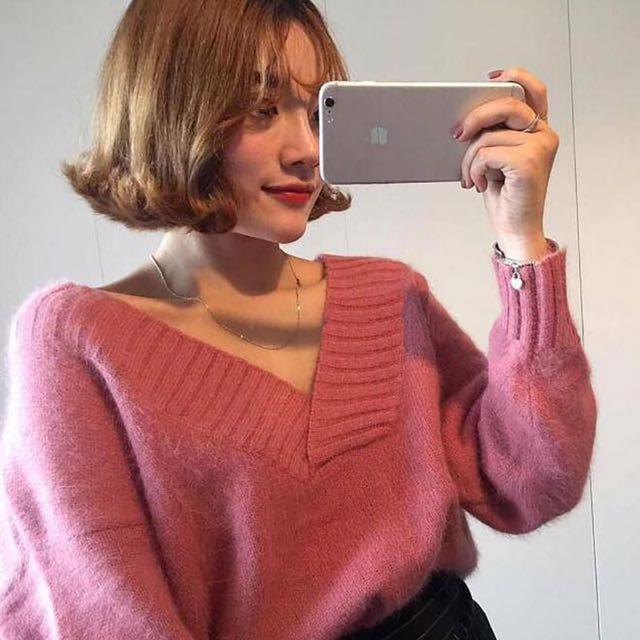 桃色v領毛衣
