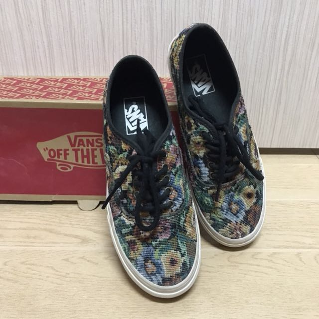 vans authentic slim tapestry floral shoes
