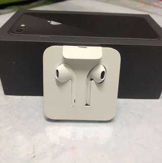 BNIB Apple EarPods with Lightning connector