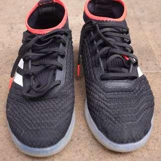 Adidas Futsal Predator Tango 18.3 TR Core Black/White/Solar Red size 40 2/3