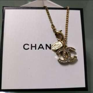 法國chanel vip禮品回贈客人是双面水晶吊咀短頸鏈
