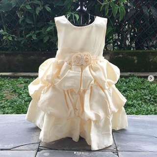 Ruffled dress in offwhite/cream colour | 18-24 months (can fit up to 30 months)