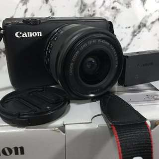 Canon EOS M10 (KIT)  EF-M15-45 IS STM