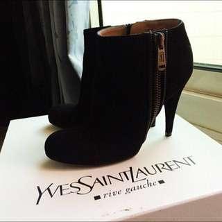 🚚 YSL 黑色羇皮踝靴36.5