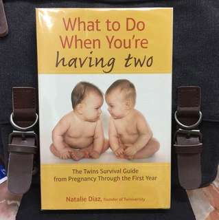 《Good Condition Preloved Paperback + Complete Guides To Expectant Mothers For Having The Birth Of Twins》Natalie Daiz - What to Do When You're Having Two : The Twins Survival Guide from Pregnancy through the First Year