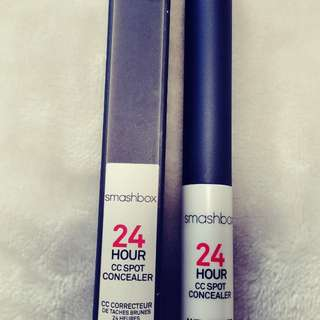 Smashbox concealer in light