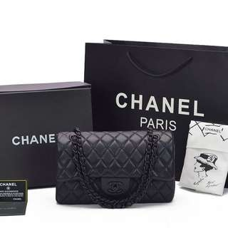 Tas Chanel Classic So Black Flap Medium Hitam AH1112