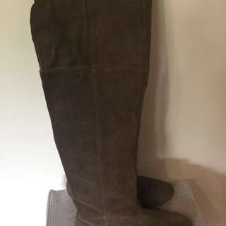 Chinese Laundry Brown Suede Tall Boots Sz7.5