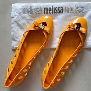 CNY BN in stock Melissa Praia yellow US 10 Eur 42
