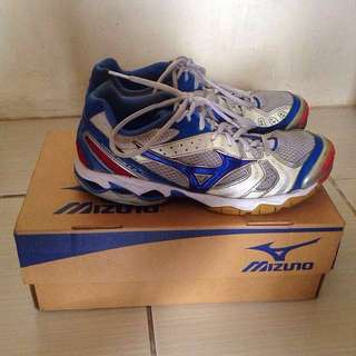 2,000PHP REPRICED Mizuno WAVE BOLT II