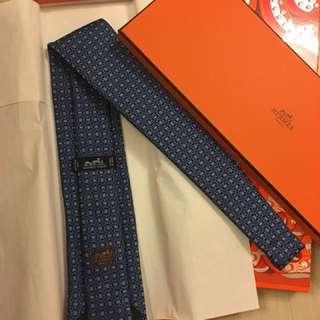 全新Hermes领呔 100% Silk 連禮盒及絲帶