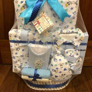 Baby Giftland set (FREE Mamy poko diaper)