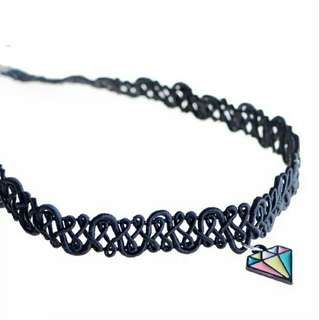 Rainbow diamond chocker