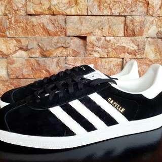 Adidas Gazelle black/white Size 10