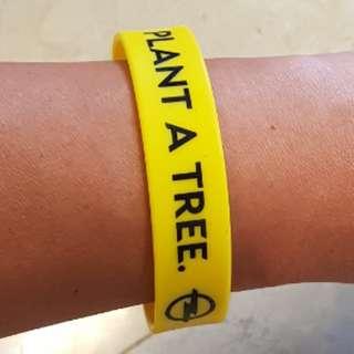 opel vauxhall wristband usb thumbdrive 8gig 8GB astra corsa zafira meriva insignia vectra omega carlton nova gsi gte sport sports athlete all-weather waterproof yellow band