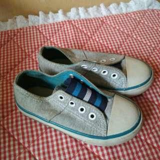 Sepatu Mothercare size 23